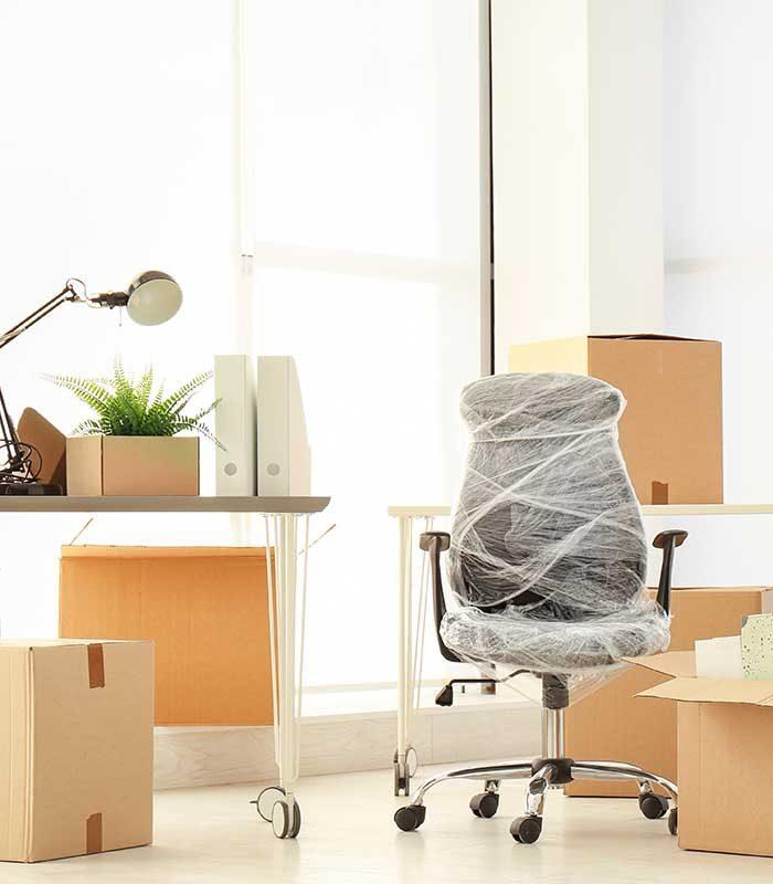 Büroinventar verpackt für Firmenumzug